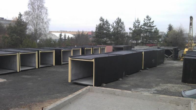 Gotowy garaż betonowy – w którym miejscu na działce go ustawić?